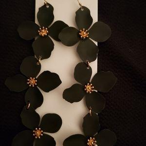 Express metal flower earrings